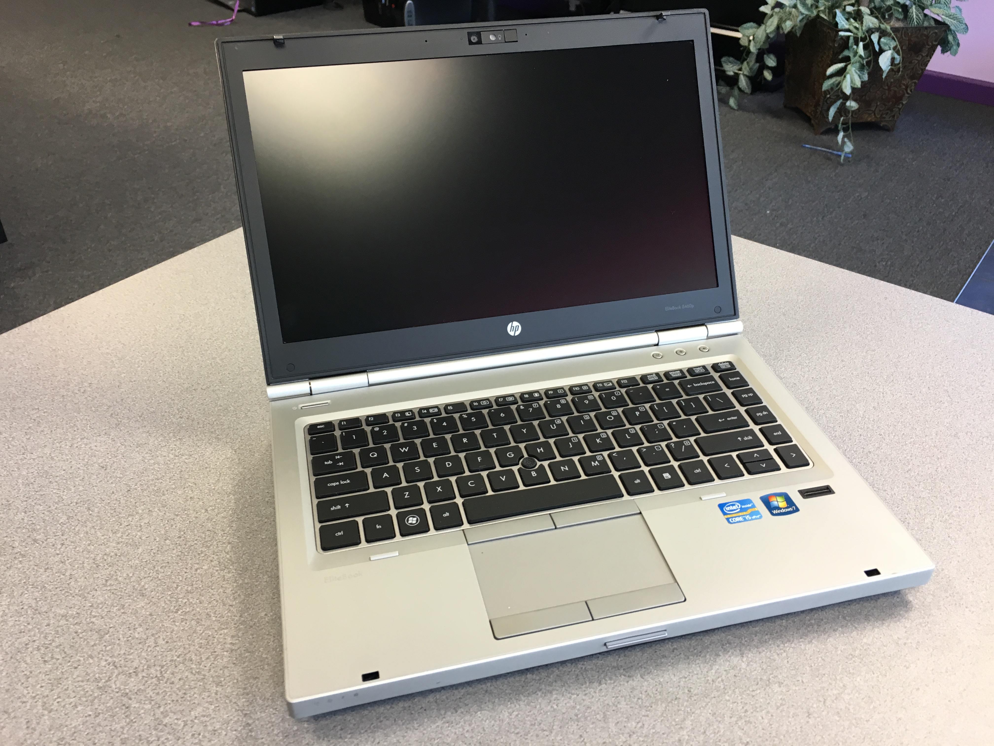HP Elitebook Laptop 7